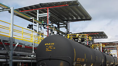 Loading Platform with Canopy for Tanker Railcars